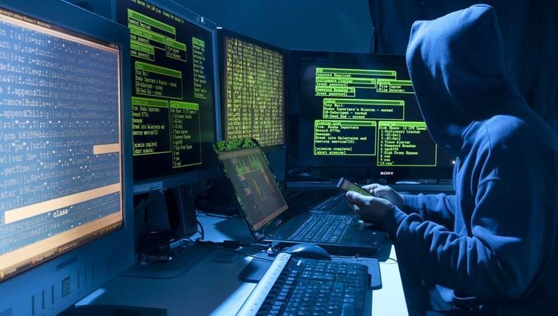 Перед выборами во Франции действуют те же хакеры, что и ранее перед выборами в США